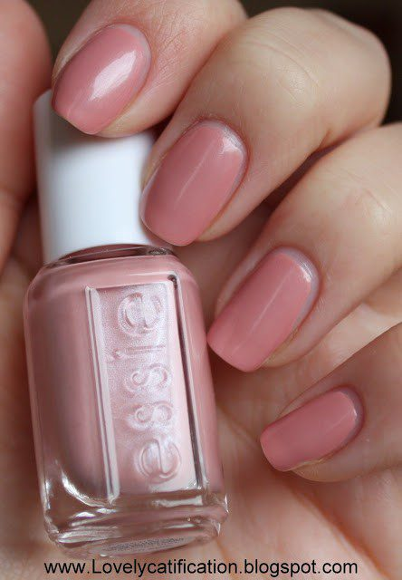 ESSIE Lion Around