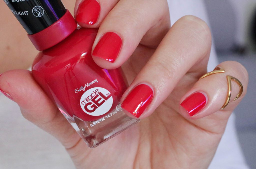 Sally Hansen Royal Splenders Off with her Red1