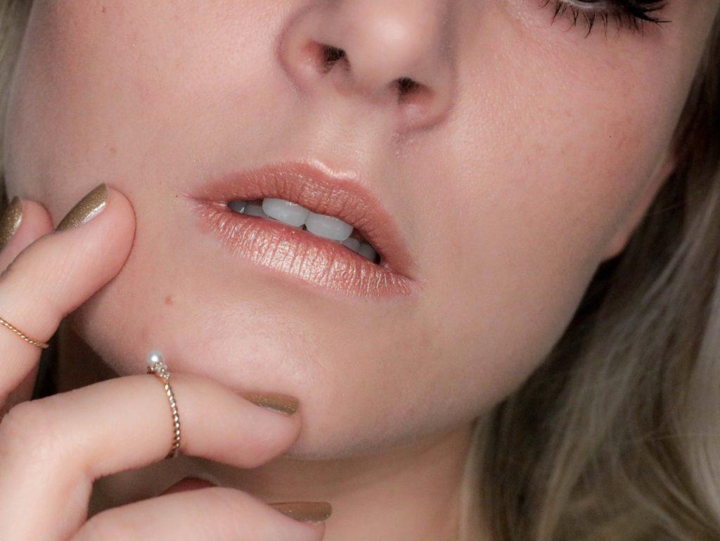 Tom-Ford-Soleil-Foil-Lipstick-Aperture