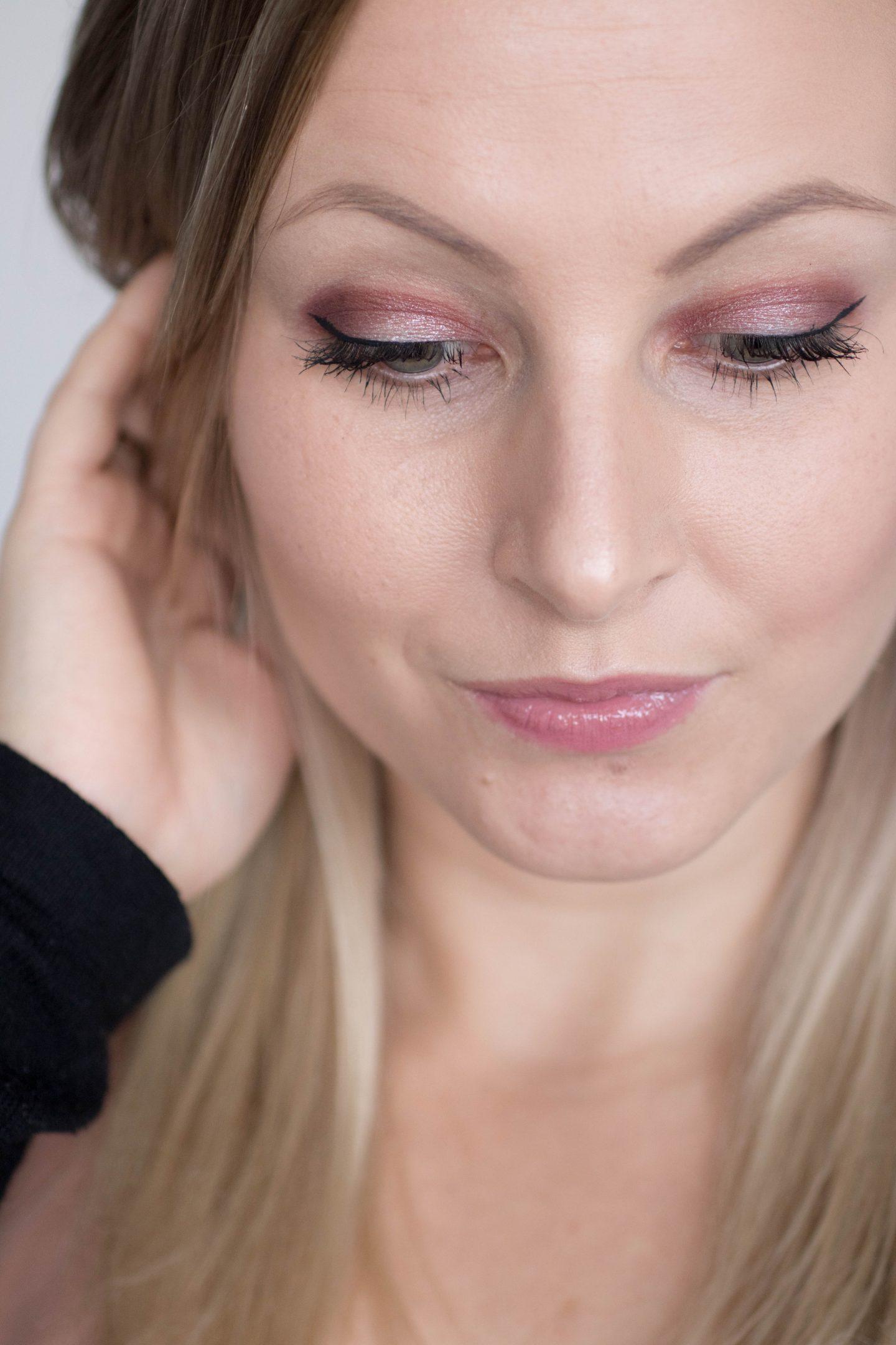 Lacquer-Up Acrylic Lip Varnish
