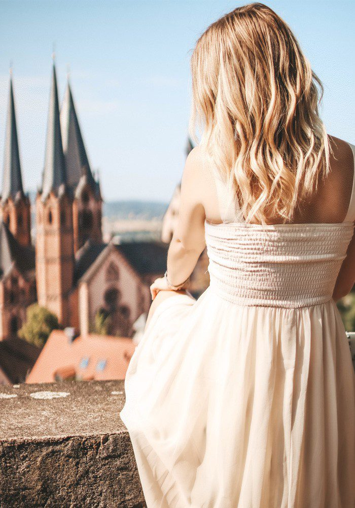 beiges Kleid kombinieren
